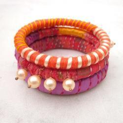 Ribbon yarn and pearls bangle bracelets - set of three